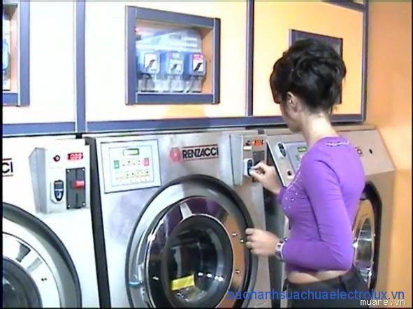 Dịch vụ giặt khô quần áo là gì?