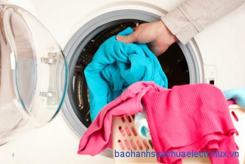 Những sai lầm khi sử dụng máy giặt giặt quần áo