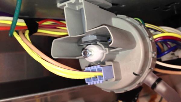 Sửa máy giặt Electrolux bị mất nguồn