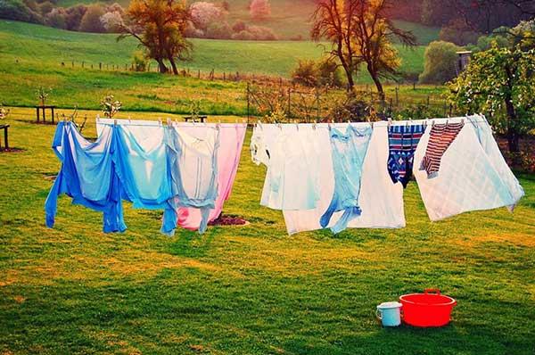 Để quần áo nhanh khô, phơi sao cho đúng cách?