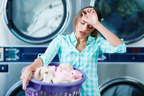 Đau đầu vì máy giặt giặt đồ không sạch?