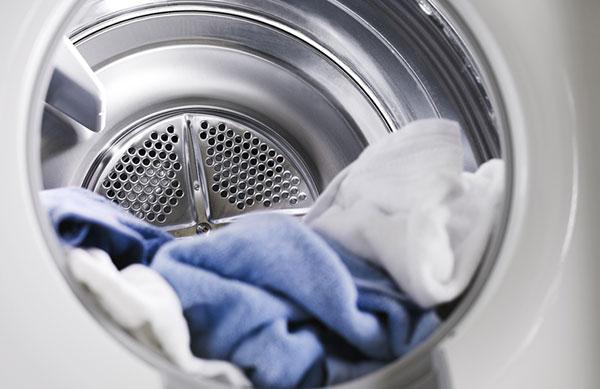 Sử dụng chế độ vắt của máy giặt thật hợp lý để tiết kiệm thời gian và điện năng