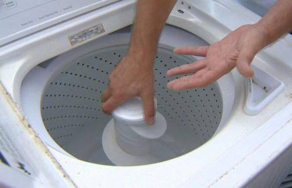 2 cách vệ sinh máy giặt cửa trên an toàn và hiệu quả