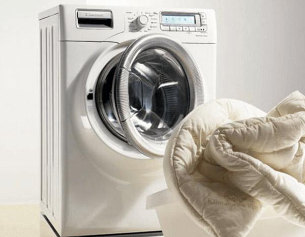 Những lưu ý khi giặt chăn bằng máy giặt